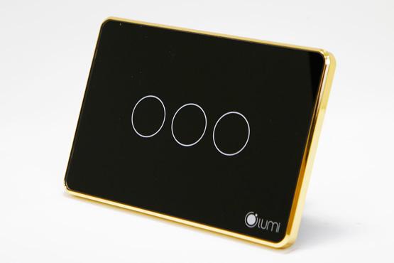Công tắc điều khiển từ xa Lumi viền vàng 3 nút